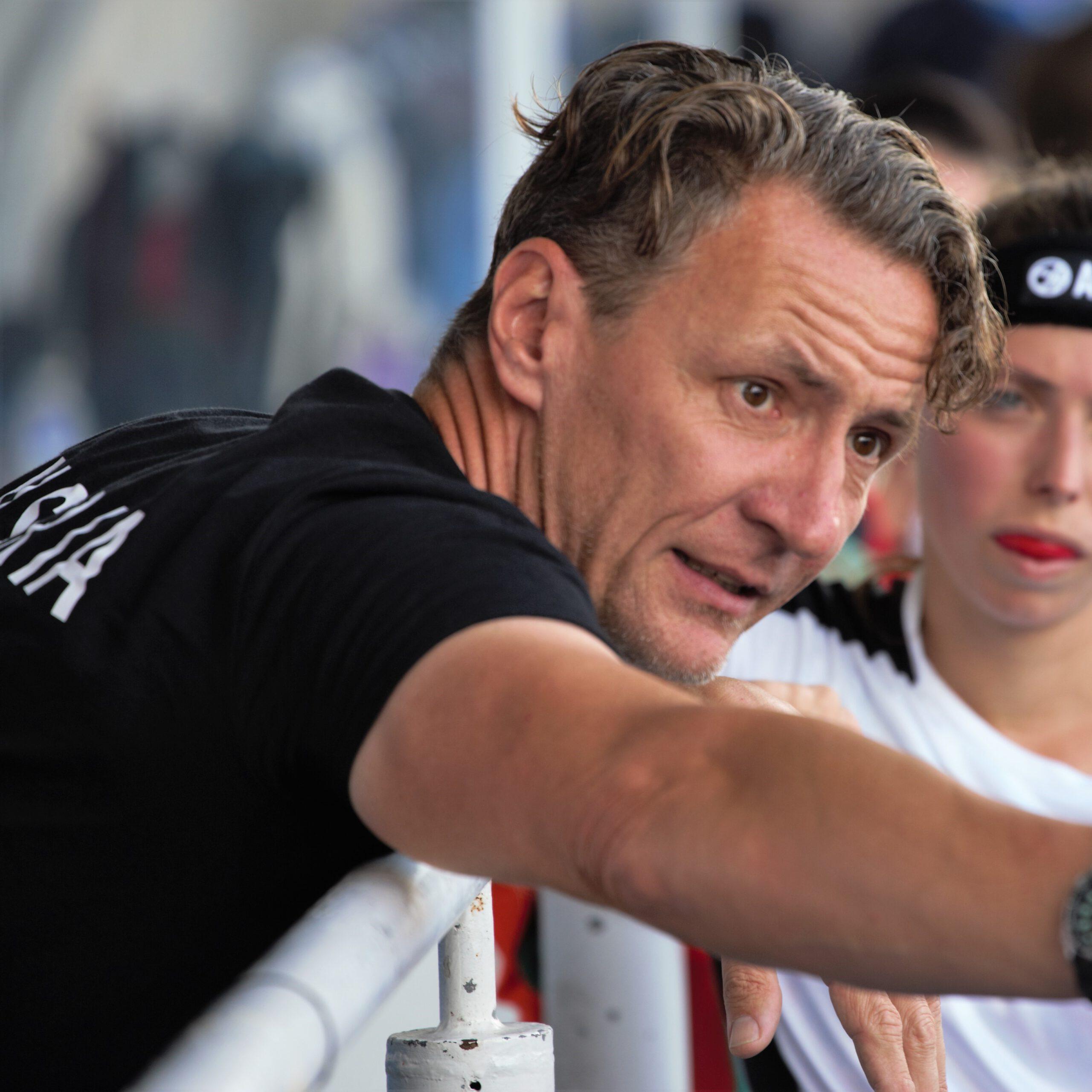 Das Interview mit Chris Faust – Hockeybundestrainer der österreichischen Damennationalmannschaft