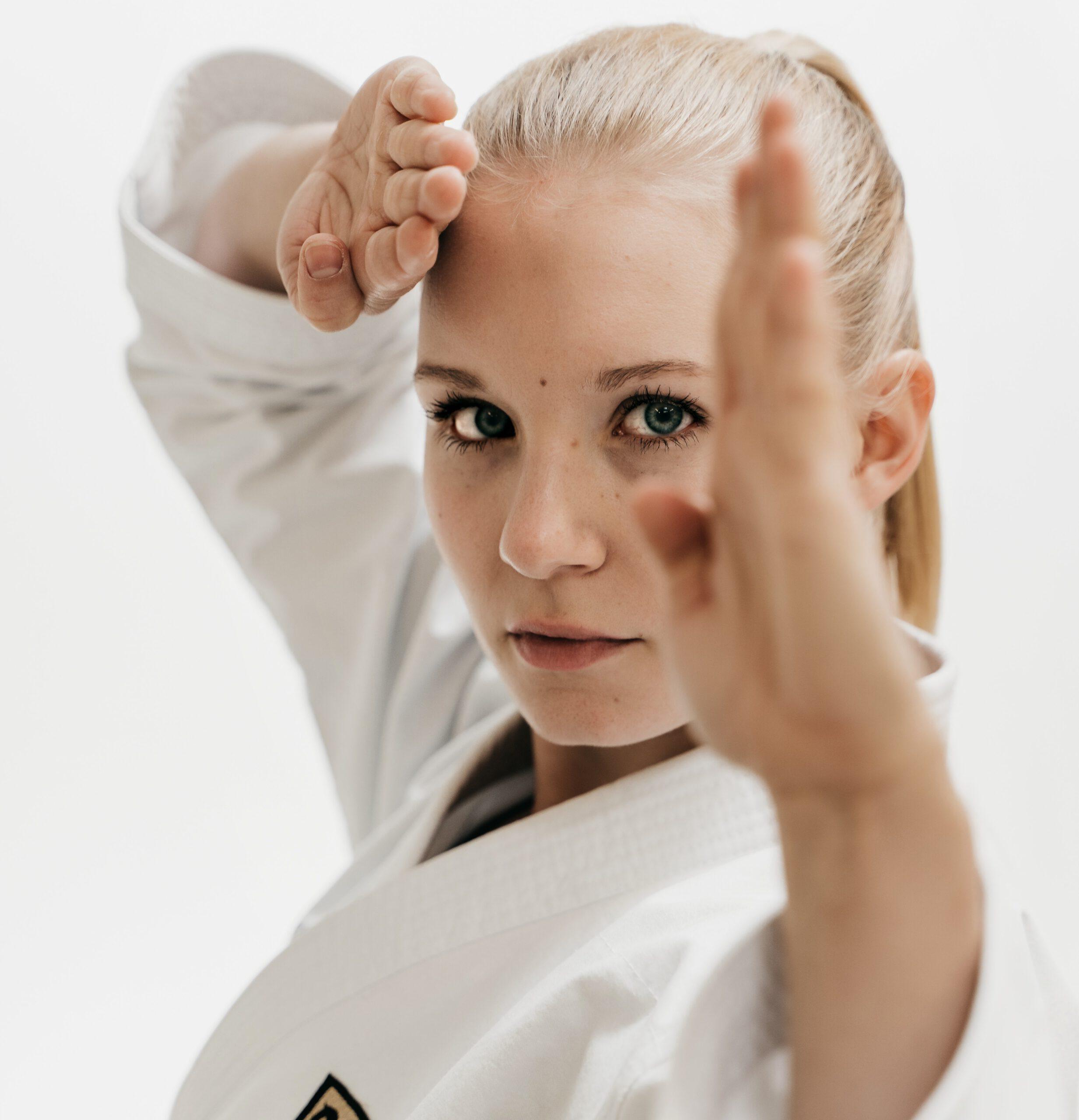 Read more about the article Das Interview mit Jasmin Jüttner – Karate-Kämpferin mit Ambitionen auf ein Ticket für Olympia 2021 in Tokio